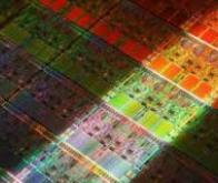 Des nanopuces capables à la fois de calculer et stocker