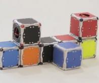 Des robots-cubes capables de s'auto-assembler !