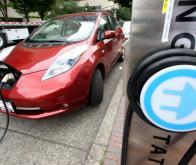 En 2025, les voitures électriques se rechargeront elles-mêmes
