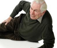 La chute, possible indice des premiers stades de la maladie d'Alzheimer
