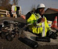 Landes : un robot plonge dans les égouts pour installer la fibre optique