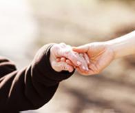 Le lien social plus efficace que la morphine pour supporter la douleur