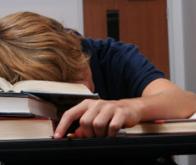 Le manque de sommeil altère durablement le cerveau des adolescents