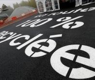 Le premier kilomètre d'autoroute au monde rénové avec du bitume 100 % recyclé