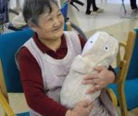 Le robot Babyloid lutte contre la dépression des personnes âgées