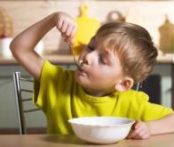 Les carences alimentaires dans l'enfance triplent les risques de troubles du comportement
