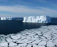 Les glaces polaires fondent à vitesse accélérée