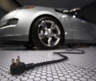 Les voitures électriques décolleront...mais avec un peu d'essence