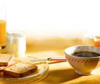 Pour éviter les accidents cardiaques : dîner tôt et prendre un petit-déjeuner…