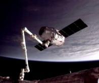 Rendez-vous orbital réussi entre Dragon et la station spatiale