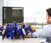 Siemens entraîne une équipe de robots araignées à l'impression 3D