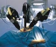 Un robot chirurgical possédant des sens comparables à ceux des humains