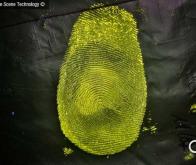 Une nouvelle substance chimique pour révéler directement les empreintes digitales