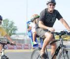 Le casque obligatoire réduit de moitié le nombre de traumatismes crâniens chez les cyclistes