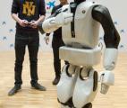 Le robot de compagnie polyvalent arrive !