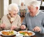Une consommation suffisante de protéines chez les seniors pour préserver leur autonomie